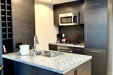 Atelier on Robson, Downtown Vancouver Furnished Rental